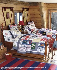 Boys baseball room - i like the pennant with the initial in the middle. Boys baseball room - i lik Trendy Bedroom, Kids Bedroom, Bedroom Ideas, Bedroom Themes, Baseball Bed, Baseball Quilt, Thomas Bedroom, Sports Bedding, Shared Rooms
