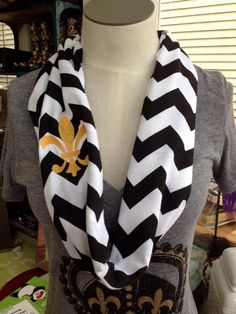 Fleurty Girl - Everything New Orleans - Chevron Infinity Scarf with Embroidered Fleur de Lis - Black & Gold - Specialty Shops Sweater Outfits, Cute Outfits, Autumn Winter Fashion, Spring Fashion, Chevron Infinity Scarves, Perfect Wardrobe, Fashion Face, Fitness Fashion, New Orleans