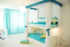 Habitación de niñas, literas, azul