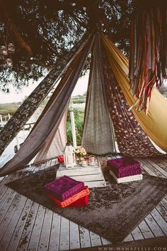 Boho wedding in the tent - - Arredamento estivo Teepee Tent Camping, Outdoor Camping, Boho Dekor, Tipi Wedding, Garden Wedding, Boho Garden Party, Camping Wedding, Romantic Camping, Garden Parties