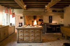 Van Apers, oude bouwmaterialen, antieke bouwmaterialen, haarden, sierschouwen, antieke schouwen, rustieke bouwmaterialen, recuperatie bouwmaterialen, open haarden,...