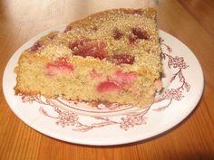 Gâteau Moelleux aux Cerises - Chez-Mireille D Desserts Printemps, C'est Bon, French Toast, Breakfast, Food, Raspberry, Cherries, Sweet Recipes, Greedy People