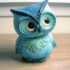 cute vintage owl....my husband used to collect owls when he was a teen. We still have them displayed.
