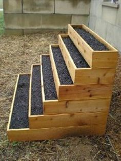 Stacked raised bed herb garden---great use of vertical space, and great for decks or balconies.