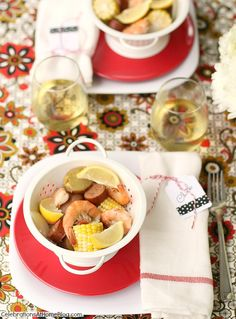 summer party ideas #tablescape #entertaining #shrimpboil #red