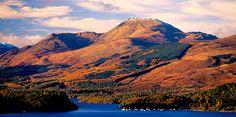 Alba / Scotland - Ben Lomond → Hier zie je de berg van over het meer. Ben Lomond, Loch Lomond, Scottish Mountains, England, Wales, Countries Of The World, Homeland, Beautiful Landscapes, Countryside