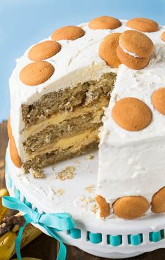 Banana Pudding Cake Layer Cake- Nilla wafers, banana slices, and a tick vanilla pudding make a delicious filling.