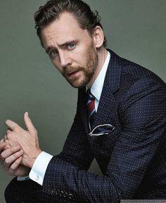 Male Fashion Trends: Tom Hiddleston viste como todo un caballero para el Style Issue de Corriere della Sera