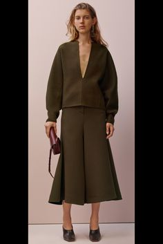 Celine Pre-Fall 2015 Fashion Show Celine, Vogue Mexico, Fall Lookbook, Fashion Show Collection, Fall 2015, Runway Fashion, Ready To Wear, Fashion Looks, Outfits