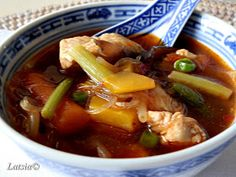 Wok, Thai Red Curry, Chili, Cooking Recipes, Health, Ethnic Recipes, Chinese, Website, Kitchen