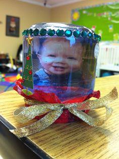 Infant pic snow globe with baby food jar. Baby Food Jar Crafts, Baby Food Jars, Baby Crafts, Student Treats, Infant Crafts, Baby Food Recipes, Snow Globes, Teacher, Christmas