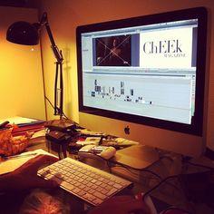 Session de montage du clip de lancement de @Cheek Magazine