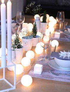 love love the little planters here!! 7 Great Holiday Hosting Shortcuts via @PureWow