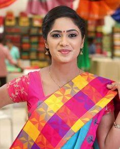 Beautiful Girl In India, Beautiful Women Pictures, Beautiful Girl Photo, Most Beautiful Indian Actress, Beautiful Saree, Indian Beauty Saree, Indian Sarees, Beauty Full Girl, Beauty Women
