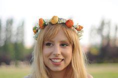 Corona de flores naranja y blanca. por TheLittleNemo en Etsy