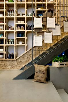 IT Café / Divercity Architects - shelving, osb boards Cabaret, Retail Interior, Cafe Interior, Commercial Design, Commercial Interiors, Cafe Restaurant, Restaurant Design, Pizzeria Design, Cafe Design