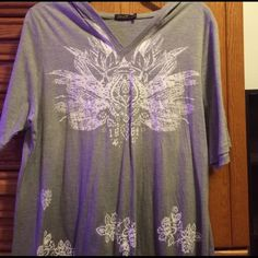 Gray and White Hooded T-Shirt Excellent condition. Cute design  Seven7 Tops Tees - Short Sleeve