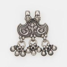 Pandantiv amuletă shernakh jantr, argint, India #metaphora #silverjewelry #amulet #silveramulet #pendants