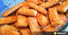 A legfinomabb - de egyszerű - omlós sajtos rúd recept képpel. Hozzávalók és az elkészítés részletes leírása. Az a legfinomabb - de egyszerű - omlós sajtos rúd elkészítési ideje: 45 perc Biscuit Recipe, Onion Rings, Cake Cookies, Rum, Carrots, Biscuits, Food And Drink, Bread, Vegetables