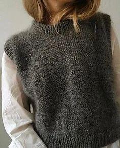 Knit Fashion, Look Fashion, Fashion Outfits, Skandinavian Fashion, Knit Vest Pattern, Looks Vintage, Mode Inspiration, Crochet Clothes, Autumn Winter Fashion