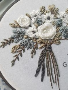 Floral Embroidery Patterns, Hand Embroidery Flowers, Hand Embroidery Stitches, Embroidery Hoop Art, Hand Embroidery Designs, Cross Stitch Embroidery, Advanced Embroidery, Crewel Embroidery, Custom Embroidery