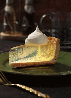 Clear lemon pie lemon icebox pie by the toasty kitchen recipe dessert pie pierecipe lemon lemonpie iceboxpie summer Lemon Icebox Pie, Lemon Meringue Pie, Lemon Curd, Delicious Cake Recipes, Yummy Cakes, Tart Recipes, No Bake Pies, No Bake Cake, Cupcakes