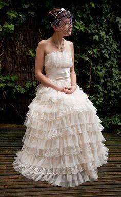 victorian wedding dresses pictures | Victorian Style Vintage Wedding Dress