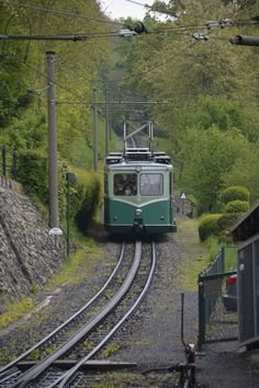Drachenfelsbahn bei der Einfahrt in die Talstation in Königswinter