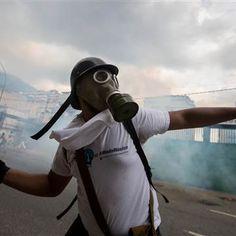 "#Venezuela officials ""#illegally"" #seize  General Motors plant, firm says http://www.nbcnews.com/…/general-motors-says-venezuelan-off…"