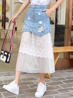 ideas for embroidery denim skirt outfit Denim Skirt Outfits, Midi Skirt Outfit, Dress Skirt, Looks Chic, Girly Outfits, Sporty Outfits, Ladies Dress Design, Denim Fashion, Pattern Fashion