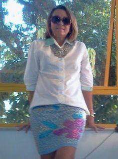 uso de saia e blusa de alfaiataria