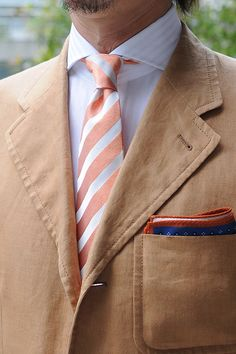 Linen jacket ,cutaway shirts & italian fabric tie.  #shirtstyle #shirts #shirtshop #fashionblogger #Menswear #Gentleman  #mensfashion #menstyle  #menswear #cutaway #Tie #necktie #PocketSquare #shoes #monkstrap #purada #linen #ワイシャツ #コーディネート #ネクタイ