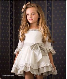 Moda infantil Little Dresses, Little Girl Dresses, Girls Dresses, Flower Girl Dresses, Toddler Dress, Baby Dress, Little Girl Fashion, Kids Fashion, Pretty Outfits