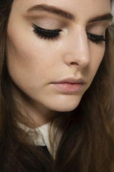 Gucci F/W 2014 Lash Crazy 60's Makeup - Style Vanity #diy #makeup #tutorial