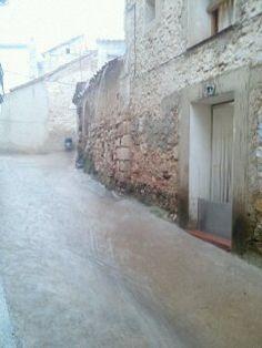 domingo pasado por agua según las previsiones por nuestro pueblo al mediodía, cuidado con las tormentas que este verano traen pedrisco