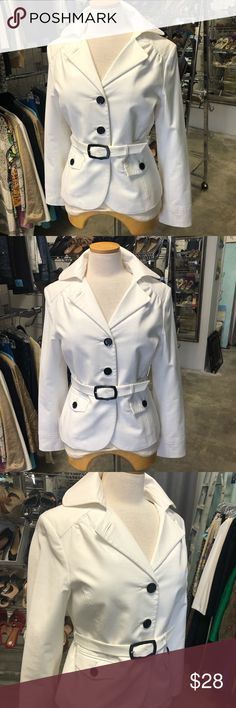 White House Black Market White Belted Jacket SZ 8 So cute! This white jacket has oversized black buttons and a removable belt. It has such a great fit and you can wear the collar up or down depending on your preference. Perfect condition...gorgeous! Bust 34' inches Length 22' inches  *** my prices are very fair so no trades or lowball offers please. White House Black Market Jackets & Coats