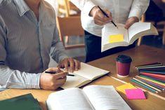 Seminárna práca na rozdiel od bakalárky alebo diplomovky nie je záverečnou prácou. Môžete sa ňou teda stretnúť aj niekoľko krát počas jedného semestra. Na mnohých predmetoch tvorí seminárna práca značnú časť finálnej známky. Ako teda písať seminárne práce tak, aby ste obstáli čo najlepšie? Cutting Board, Cutting Boards