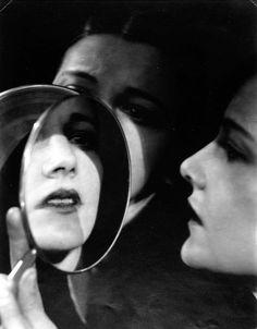 WYNN RICHARDS (1888-1960) Model and Mirrors, c. 1925 gelatin silver print image/sheet: 24.2 x 19 cm. (9½ x 7½ in)