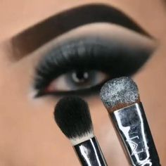Makeup Looks Tutorial, Smokey Eye Makeup Tutorial, Eye Makeup Steps, Makeup Eye Looks, Eye Makeup Art, Dark Makeup, Blue Eye Makeup, Eyebrow Makeup, Skin Makeup