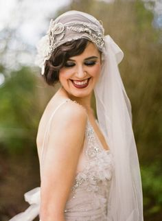 This vintage inspired 1940s wedding veil is an incredible look for a girl with a love for all things retro.