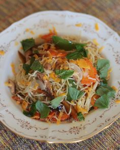 I opened a jar of tinapa in olive oil from Casa Vallejo's Hill Station and combined half of its contents with vegetables and home-grown basil to make a light pasta dish for lunch. Fish Recipes, Seafood Recipes, Pasta Recipes, Soup Recipes, Seafood Appetizers, Smoked Fish, Fish And Seafood, No Cook Meals, Cooking Tips