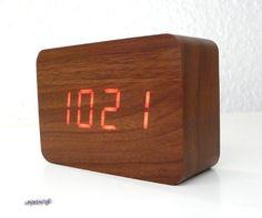 Design Wecker in Holzoptik, Holzwecker Ledwecker (Lang-dunkel)