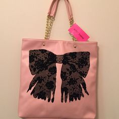 NEW BETSY JOHNSON FLOCK A BOWS TOTE BLUSH · BRAND NEW WITH TAG · DESCRIPTION: 1 COMPARTMENT, 2 POCKETS, 1 ZIP POCKET( see pic) ; COLOR: Blush    ⭐️TOP RATED SELLER FAST SHIPPER NEXT DAY SHIPPING ❌NO TRADE ❌NO PAYPAL ✅BUNDLE OFFER     WILL SHIP IN BUBBLE WRAP Betsey Johnson Bags Totes
