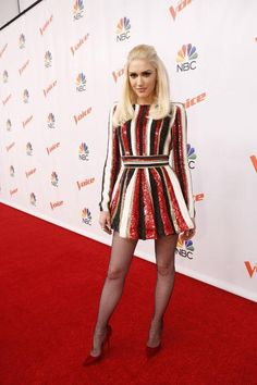 Gwen Stefani's Breakover Style Game Is More On Point Than Ever - Gwen Stefani's outfits on The Voice have been incredible, including this black, white, and red st - Gwen Stefani No Doubt, Gwen Stefani And Blake, Gwen Stefani Style, Gwen Stefani Fashion, Gwen Stefani Legs, Celebrity Outfits, Celebrity Style, Pantyhose Legs, Pantyhose Outfits