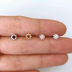 Piercing oreja daith earrings 55 ideas for 2019 Daith Earrings, Conch Earring, Diamond Earrings, Pearl Earrings, Diamond Studs, Earring Set, Forward Helix Piercing, Piercing Daith, Tragus Stud