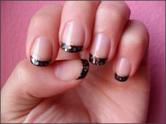 Black French - Tip: La Jolie NR & Essence Nail Art Special Effect Topper Circus Confetti (02) Glitter: Essence Nail Art Freestyle&Tip Painter Silver Sparkle (01)