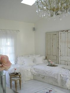 loving the idea of using two twin beds for cottage