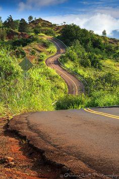 Highway 550, Kauai, Hawaii by Glowing Earth