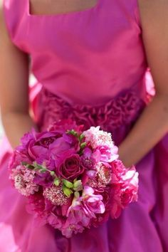 pretty in pink bouquet Pretty In Pink, Pink Love, Bright Pink, Vestido Fuscia, Rose Fushia, Pink Flowers, Colorful Roses, Tout Rose, Hot Pink Weddings