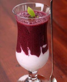SUMO de Açai_ beber suco de açaí diariamente pode ajudar a prevenir o desenvolvimento e a disseminação de células cancerígenas, já que ele possui antioxidantes que impedem a ação de radicais livres em nosso organismo.